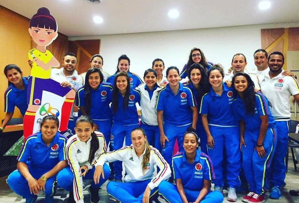 En la Selección Colombia Femenina clasificada a Juegos Olímpicos de Río 2016 aportaron cuatro futbolistas y el cuerpo técnico a la representación del Valle Oro Puro