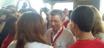 """Presidente Juan Manuel Santos recibió la medalla de la paz """"Valle Oro Puro"""""""