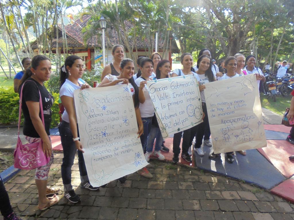 Las madres comunitarias agredecen a la gobernadora Dilian Francisca Toro y a Indervalle por hacer realidad esta capacitación