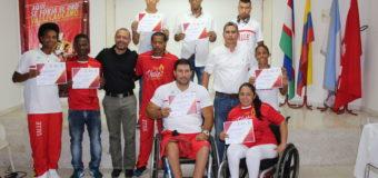 Diplomas y medallas al orgullo Valle Oro Puro
