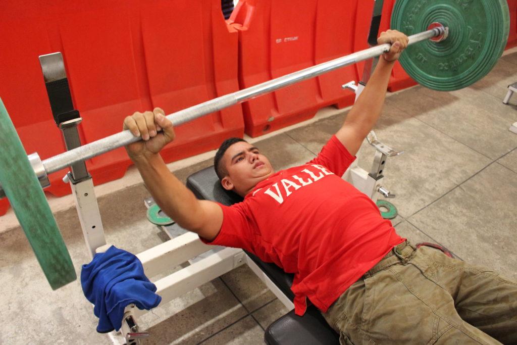 Dany Arana, un pesista que afronta su destino a través del deporte