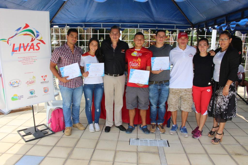 Nadadores vallecaucanos recibieron merecido homenaje