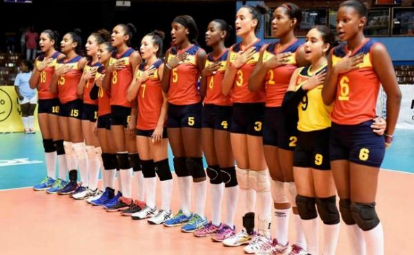 Con mayoría de jugadoras vallecaucanas, el voleibol colombiano marcó historia en Cuba