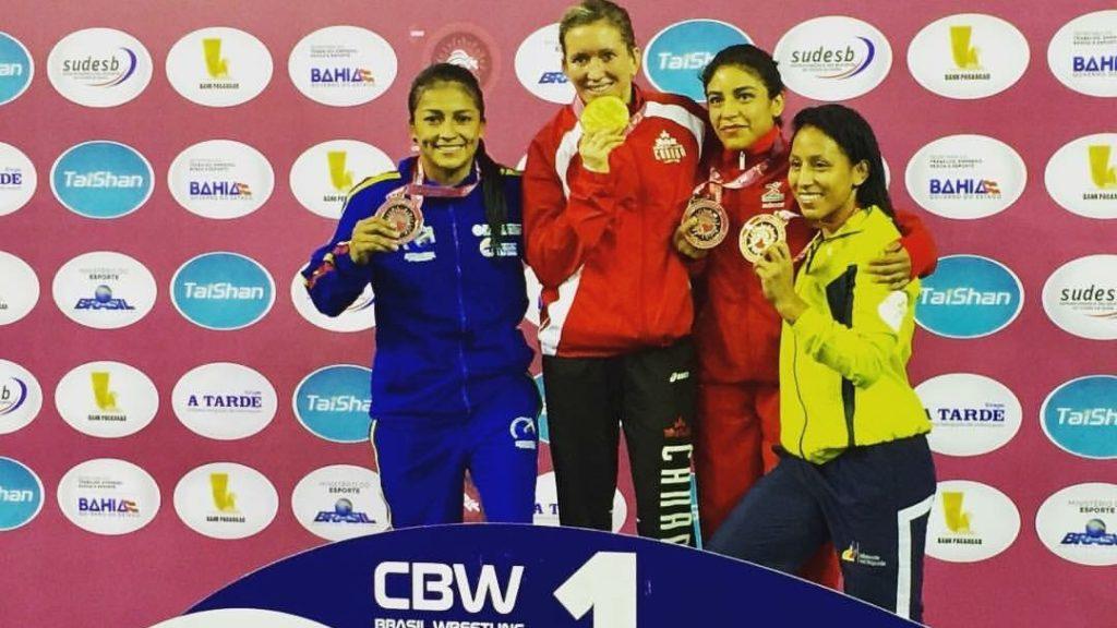 Carolina Castillo conquista presea en el Panamericano de lucha