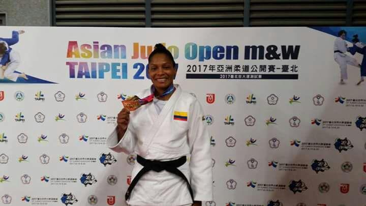 Yuri Alvear conquistó título en territorio asiático