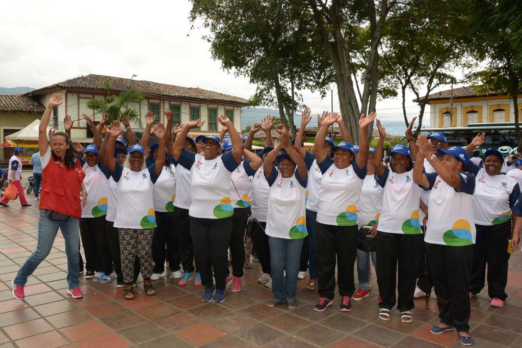 Adultos mayores iniciaron diciembre recorriendo el Valle del Cauca