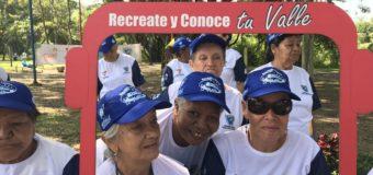 Adultos mayores de Cali recorrieron la ciudad Señora de Colombia con Recréate y Conoce tu Valle