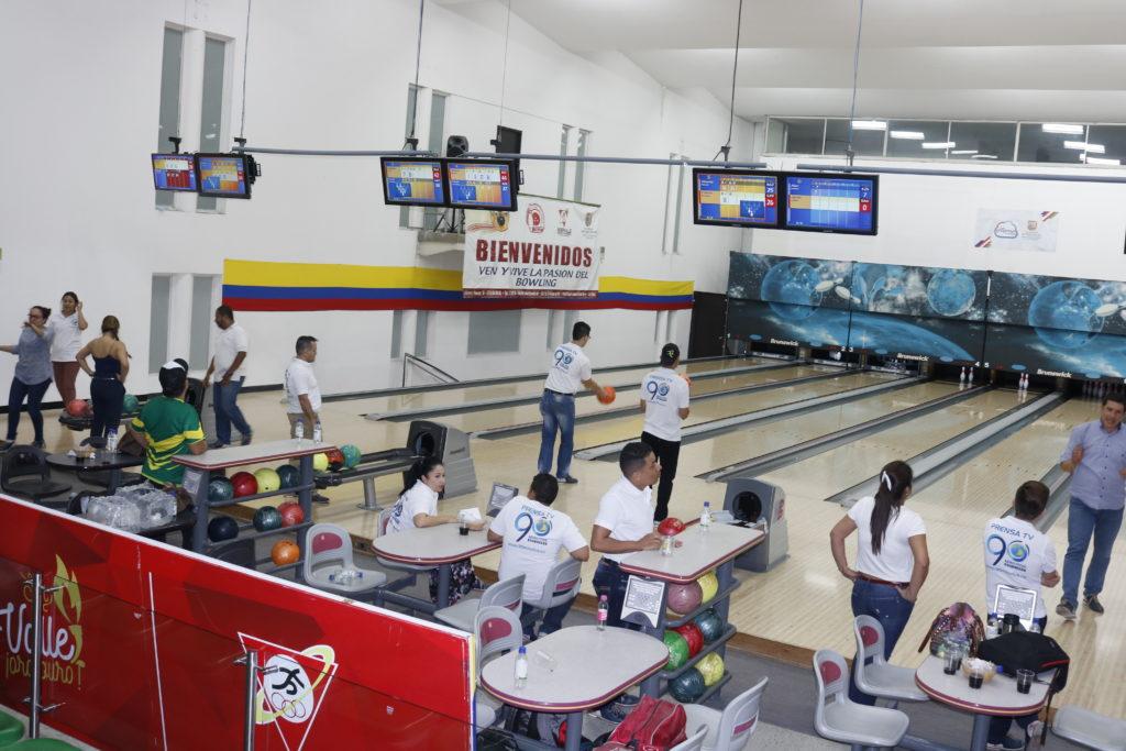 Masiva participación de periodistas en campeonato de bolo de Juegos Intermedios Valle Oro Puro 2017