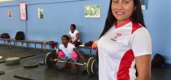 En el norte del Valle del Cauca, Carolina López apoya el proceso de grandes campeones