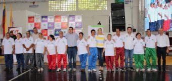 Adultos mayores de Cartago recibieron indumentaria deportiva de la Gobernación del Valle