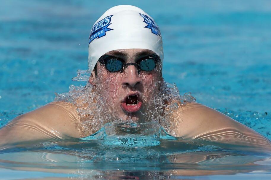 Nadador caleño Jonathan Gómez se prepara en casa con sus ojos puestos en Tokio 2020