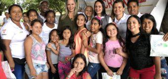 Gestora social del Valle entregó regalos a niños de Recreapaz