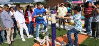 Habitantes de Guacarí ya disfrutan su nuevo gimnasio biosaludable
