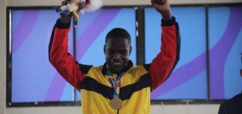 Carlos Sinisterra le entregó el oro 43 a Colombia, en karate