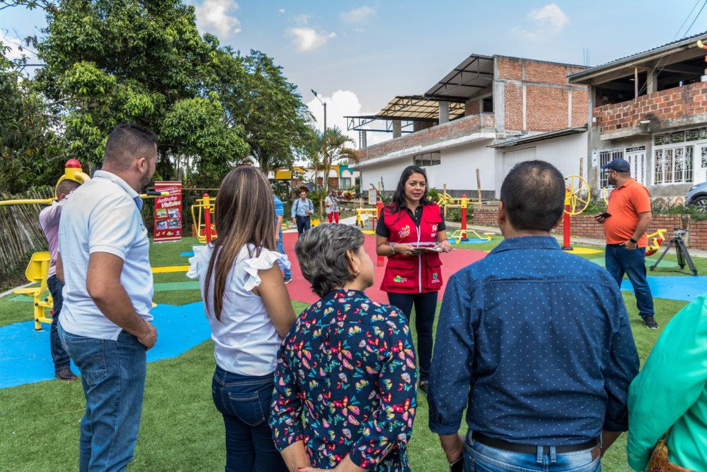 Habitantes de Caicedonia ya disfrutan del nuevo gimnasio al aire libre en el barrio El Surco