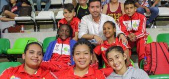 Las madres del 'Valle Oro Puro' que llegaron hasta Barraquilla para acompañar a sus hijos en Juegos Supérate