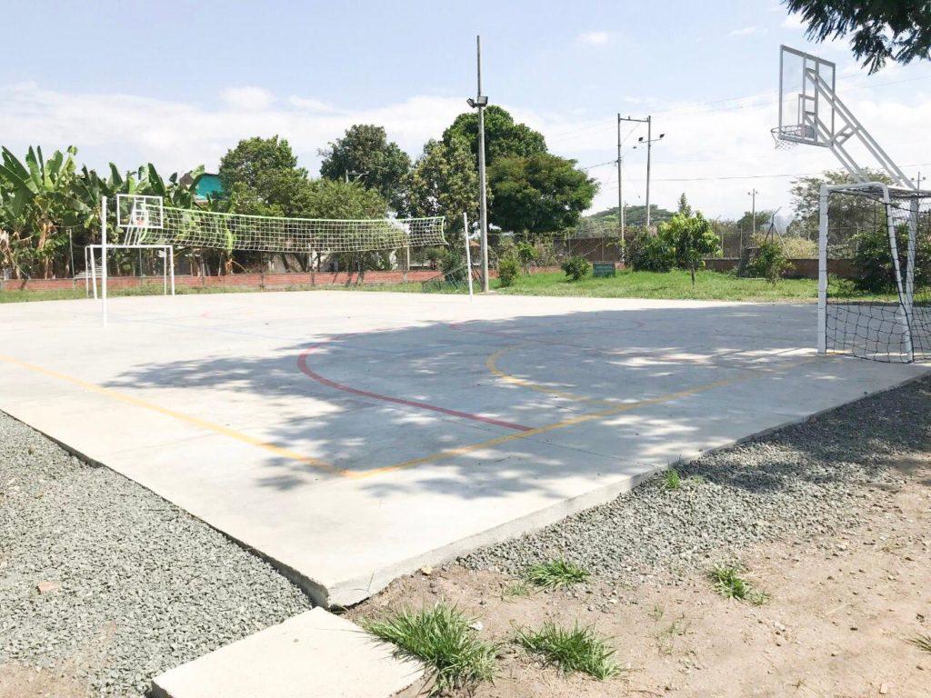 En El Cabuyal, Candelaria tiene una nueva cancha para la recreación y el deporte