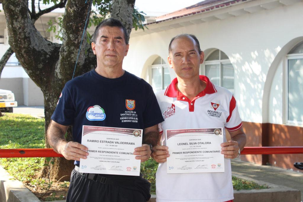 Dos profesionales de Indervalle fueron certificados como respondientes comunitarios en caso de situaciones de alto riesgo en la entidad