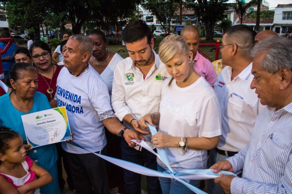 En el municipio de Jamundí, Gobernadora del Valle entregó obras de infraestructura deportiva