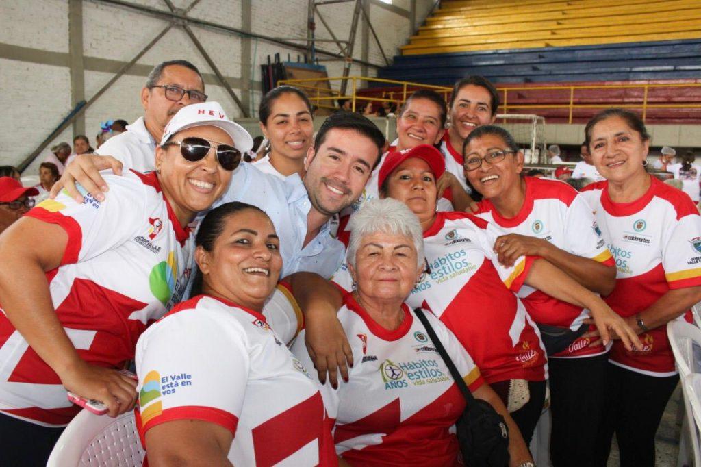 En el municipio de Yumbo, adultos mayores recibieron implementación deportiva gracias a la Gobernación del Valle e Indervalle