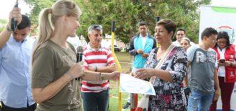 En el municipio de La Victoria, la Gobernadora del Valle entregó tres obras de infraestructura deportiva y recreativa