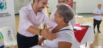 Adultos mayores de Guacarí recibieron nueva indumentaria deportiva