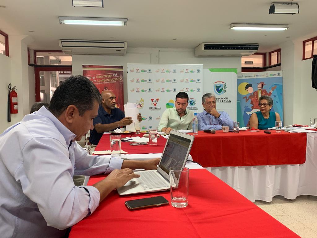 Junta directiva de Indervalle se reúne con las ligas deportivas de la región