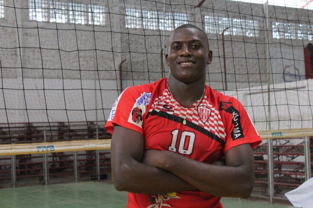 Un talentoso voleibolista que le entrega lo mejor de su vida al deporte vallecaucano